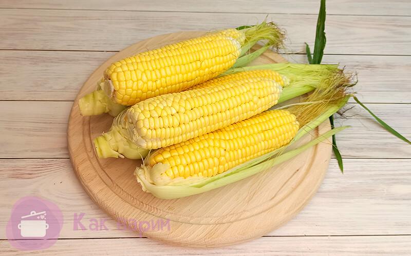 Сколько времени нужно варить кукурузу в кастрюле