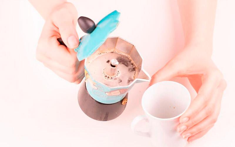 Фото11 Как варить кофе в гейзерной кофеварке пошагово