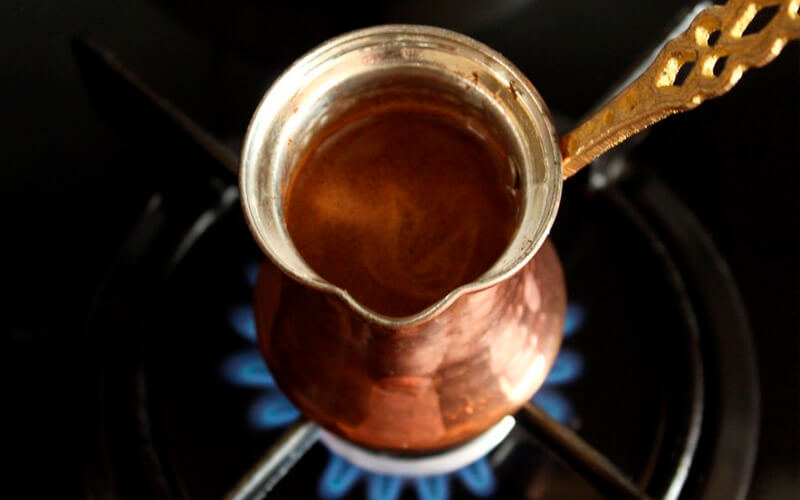 Фото5 Как варить кофе в турке пошагово